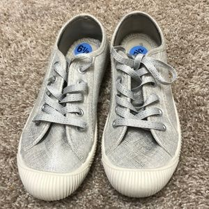 Silver Madden Girl shoes. Brand new